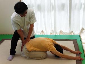 椎間板へのストレッチ2
