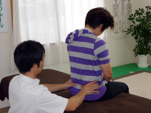 腰、骨盤、背骨の調整